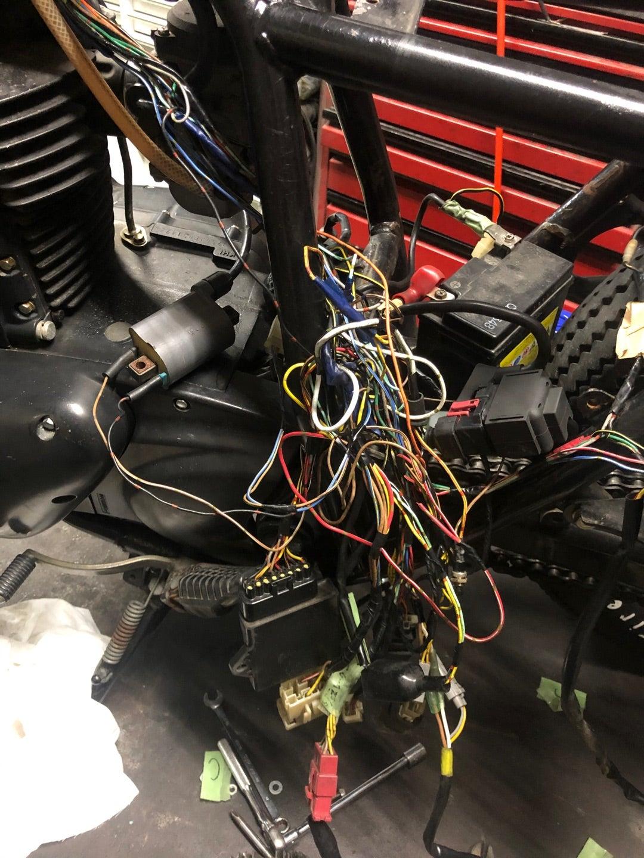 250TR修理中